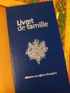 Histoires vraies  Meurtre pour un livret de famille Lounès Benredjal dans Lounès Benredjal livret-de-famille-226x300